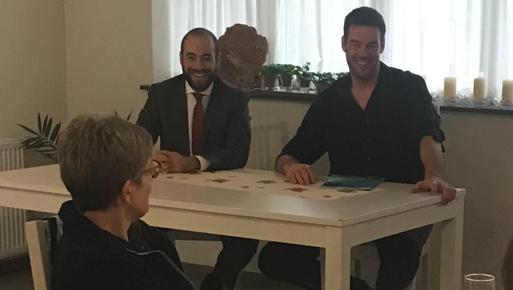 Bild: Von rechts: Christoph Riner, SVP- Bezirksparteipräsident, Grossrat und Daniele Mezzi, CVP- Bezirksparteipräsident, Grossratskandidat.