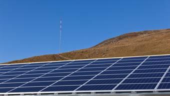 Eine Solaranlage: Gegner der Energiewende halten ihr Potenzial für überschätzt.