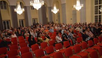 Die Informationsveranstaltung gestern stiess auf grosses Interesse, mochte aber den Festsaal doch nicht füllen. ES