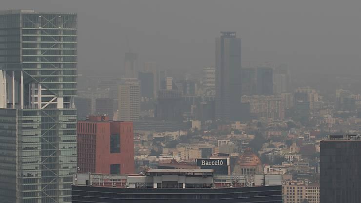 Seit Tagen liegt Mexiko-Stadt unter einer dichten Feinstaubwolke.
