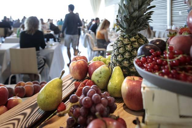 Frühstücksbuffet in der neuen Panoramahalle