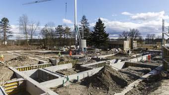Die Vorbereitungsarbeiten für das Bundesasylzentrum sind ungeachtet der Auflage der Änderung des Bauzonenplans bereits fortgeschritten.