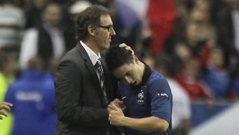 Frankreich-Coach Laurent Blanc gratuliert Samir Nasri
