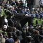 Berittene Polizei und  Demonstranten trafen dieses Wochenende in London aufeinander.