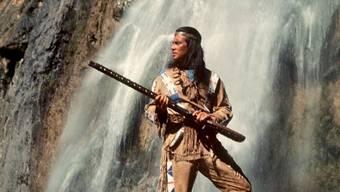 Winnetou (hier der legendäre Pierre Brice) soll in einer RTL-Serie neu aufleben.