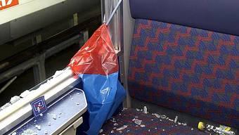 Fans demolierten nach einem Match im Zug (Symbolbild)