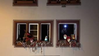 Trotz des geltenden Massenveranstaltungsverbots des Bundes fand am Montagmorgen, 2. März 2020, in Basel um 4 Uhrein Morgestraich statt. Über 2000 Personen fanden sich in der Basler Innenstadt ein, die meisten in ziviler Kleidung, einige aber auch im Kostüm und mit Instrumenten. Die Polizei patrouillierte und suchte das Gespräch ein, unterband das Treiben aber nicht.