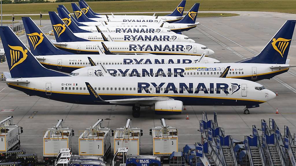 Ryanair erwägt angesichts der zweiten Coronawelle, die Flugkapazitäten weiter zu reduzieren. (Archivbild)