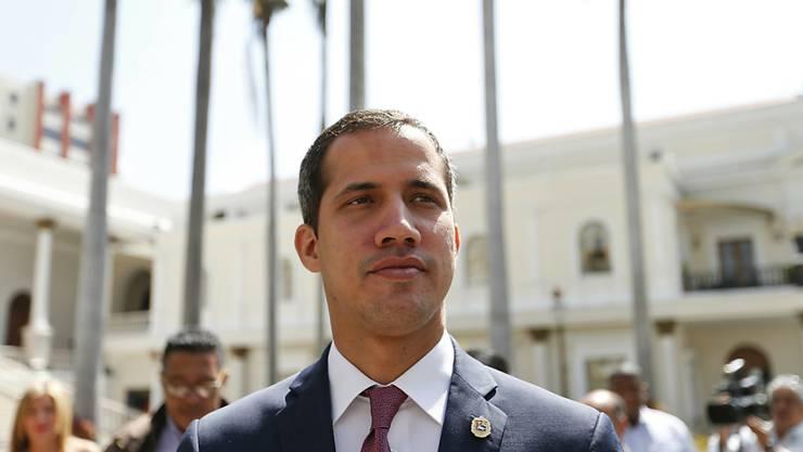 Will die Botschaften im Ausland unter seine Kontrolle bringen: Venezuelas selbst ernannter Interimspräsident Juan Guaidó. (Archivbild)