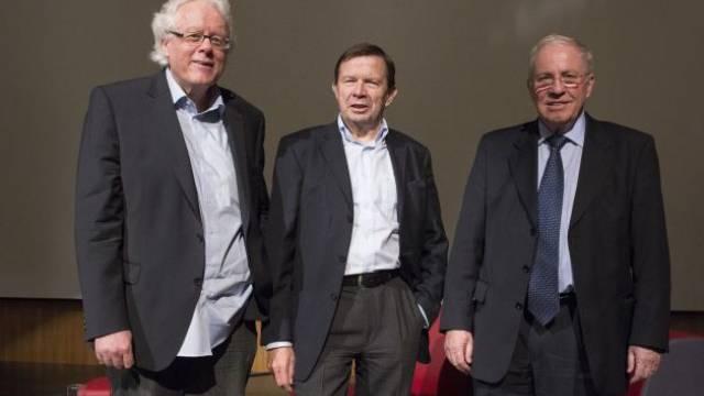 Peter Bodenmann (SP), Franz Steinegger (FDP) und Christoph Blocher (SVP) diskutierten vor 400 Zuhörern in Baden. Foto: Alex Spichale