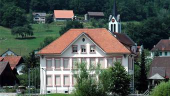 Das Schulhaus in Herbetswil. (Archiv)