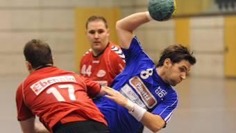 Christian Hilkinger (in Blau) und Co. vom HCDU wollen weniger Widerstand als letzte Saison.