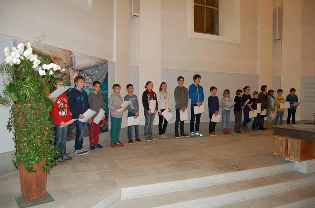 Erfolgreiche Musikschüler/innen durften ihre Zertifikate entgegennehmen.