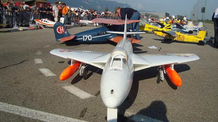 Die Modellflieger «übernehmen» am Sonntag am Flughafen.