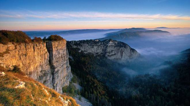 Wird auch «Gran Canyon der Schweiz» genannt: Die eindrückliche Felsenarena des Creux du Van