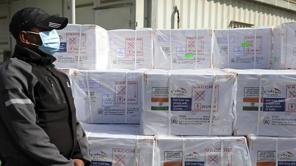 Afghanistan erhält 500'000 Dosen Corona-Impfstoff aus Indien