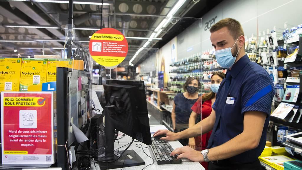 In diesen Kantonen gilt die Maskenpflicht in den Läden