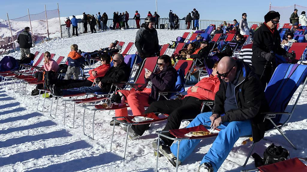 Vor allem vor der Mittagspause häufen sich laut BFU die Skiunfälle