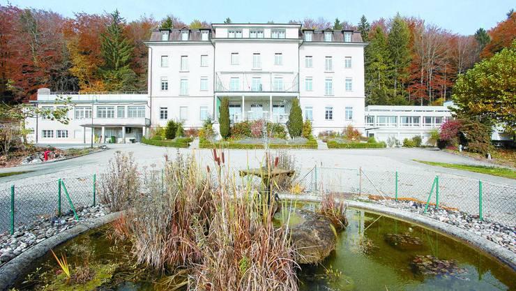 Fridau, Egerkingen: 1871 als Kurhaus erstellt, diente die Fridau von 1921 bis 2008 als Klinik für psychisch kranke Menschen. Seit dem Auszug der letzten Patienten am 12. Januar 2009 steht die Anlage leer, der Kanton Solothurn will sie verkaufen. (Bild: Hansruedi Aeschbacher)