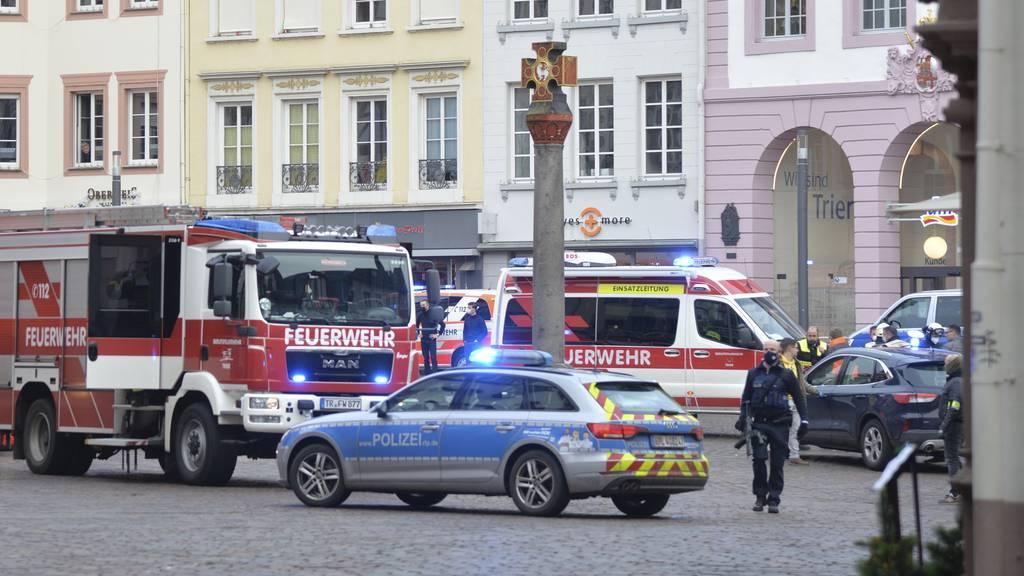 «Erschütternder» Vorfall mit Auto in Trier: Mindestens zwei Tote
