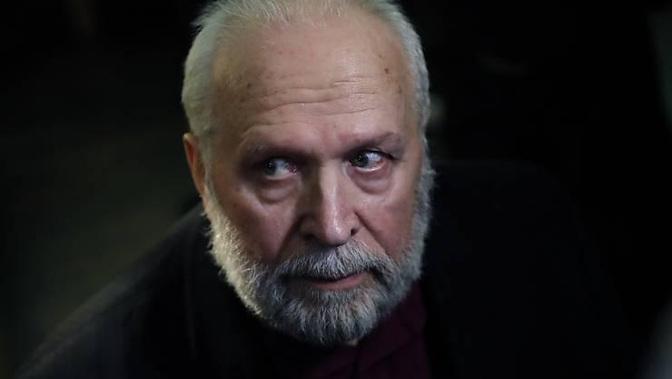 In Frankreich steht der ehemalige katholische Priester Bernard Preynat wegen des sexuellen Missbrauchs dutzender Pfadfinder vor Gericht.