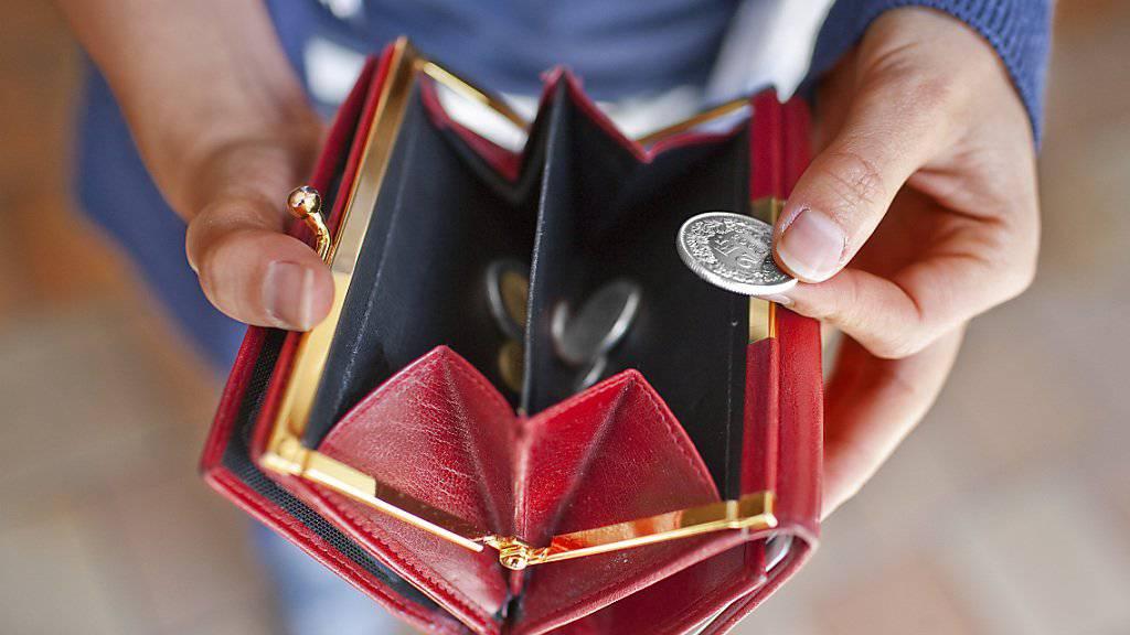 Im Kanton Bern werden die Leistungen für Sozialhilfebezüger nicht gekürzt (Archivbild).