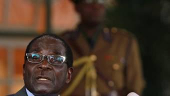 Mugabe laut Wahlkommission mit 61 Prozent wiedergewählt (Archiv)