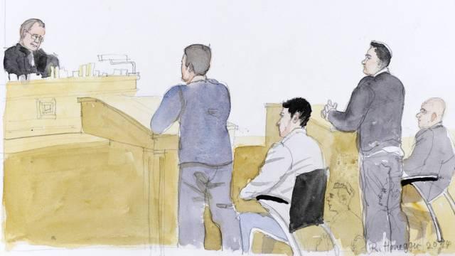 Szene während des Prozesses gegen Kaufleuten-Messerstecher.