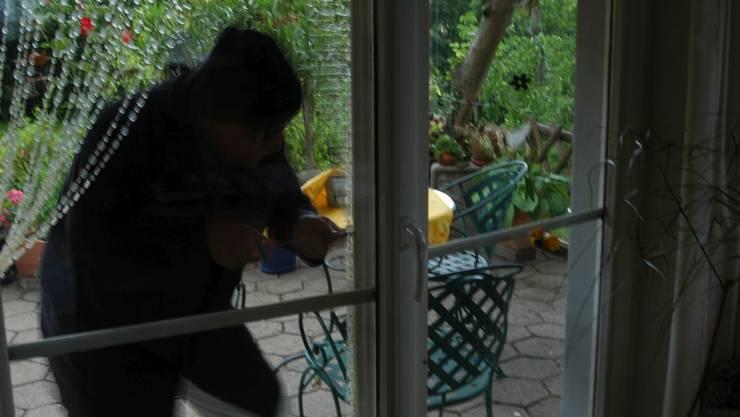 Mit einer Machete bedrohte der Einbrecher den Hausbesitzer. (Symbolbild)