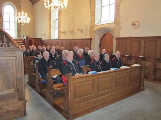 Mitglieder der Schützengesellschaft an der Messe vor dem Sebastianschiessen