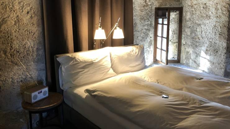 «Es war recht aufwändig, das Bett hier hochzubekommen», sagt Roland Furrer vom Hotel an der Aare.