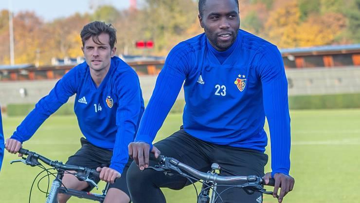 Sowohl Valentin Stocker (links) als auch Eder Balanta sind fraglich für das Spiel am Freitag. Beide haben muskuläre Probleme im Oberschenkel.