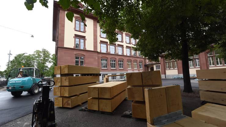 Der Schulhof des Theobald Baerwart-Schulhauses wird noch gestaltet.