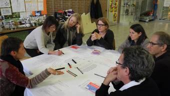 Vertreter von Schule, Wirtschaft und Politik diskutierten über den Übertritt von der Schule in den Berufsalltag.
