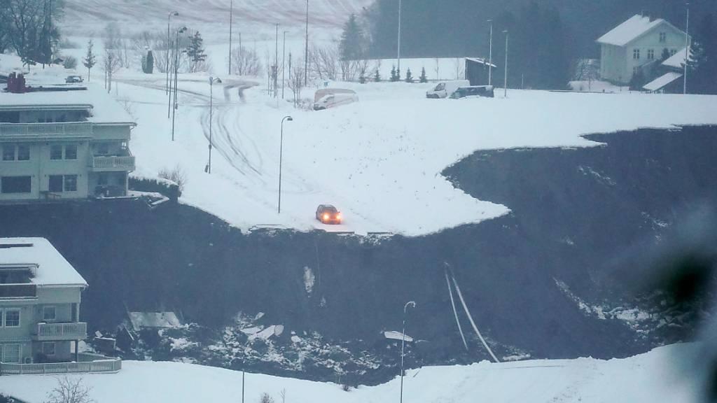 Der Erdrutsch hat eine Spur der Verwüstung hinterlassen. Foto: Fredrik Hagen/NTB/dpa