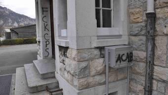 Unter anderem wurde das Schulhaus Häuslimatt wurde verschmiert. (Archiv)