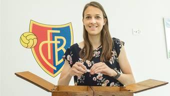 Die 22-jährige FCB-Verteidigerin hat den Begriff «Wertschätzung» aus dem Nähkästchen gezogen.