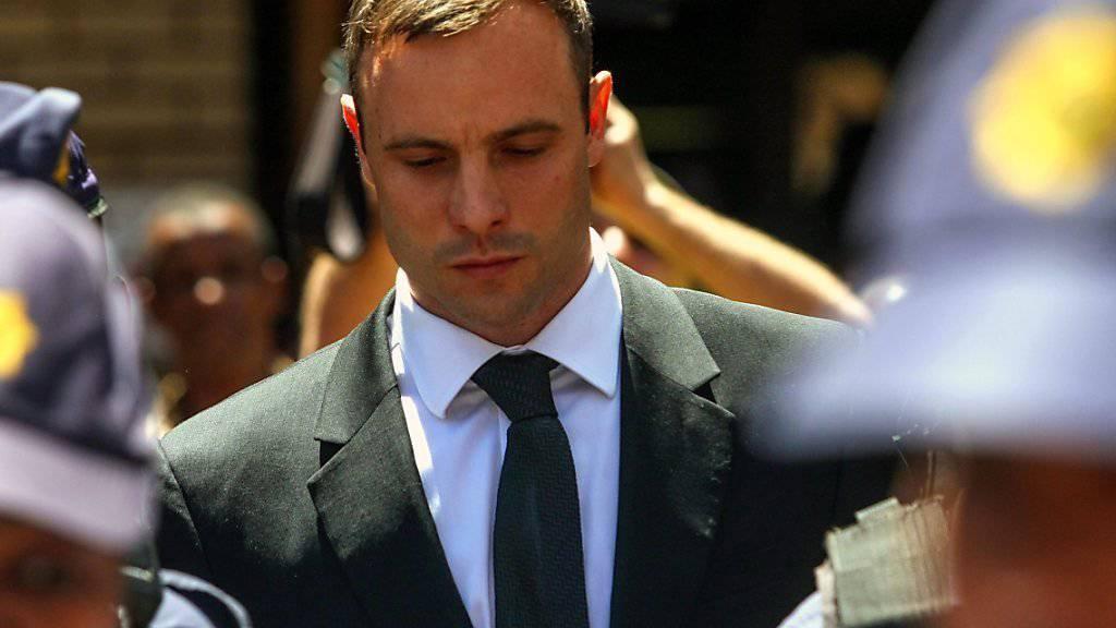 Oscar Pistorius während des erstinstanzlichen Prozesses im Oktober 2014. Im Berufungsverfahren wurde der ehemalige Sprintstar  wegen Mordes verurteilt.
