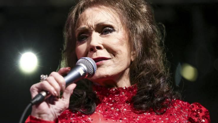 """Loretta Lynn geht es nach eigenen Angaben """"grossartig"""": Die 85-jährige Countrysängerin hat vor anderthalb Wochen einen Schlaganfall erlitten. (Archivbild)"""