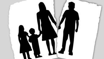 Kinder von Scheidungspartnern geraten schnell in einen Gewissenskonflikt.