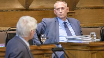 SP-Regierungsrat Hans-Peter Wessels musste sich gestern im Parlament jede Menge Kritik anhören.