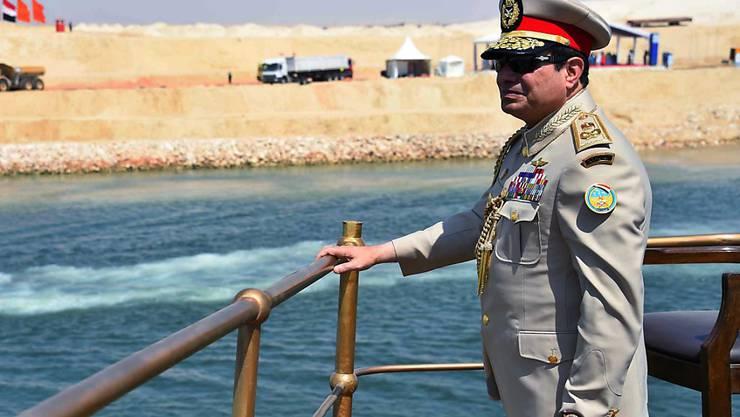 Ägyptens Präsident al-Sisi verlangt von Journalisten einen strammen Regierungskurs.