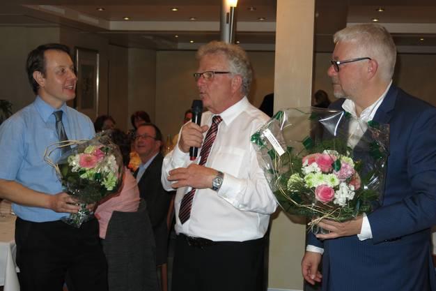 Organisator Bruno Schmid ist voll des Lobes für Martin Wiederkehr (rechts) und den Chef de Service (links)