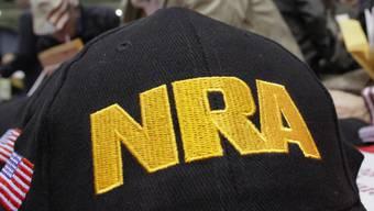 Die US-Waffenlobby NRA geht gegen ein gerade erst verabschiedetes strengeres Waffengesetz in Florida juristisch vor. (Symbolbild)