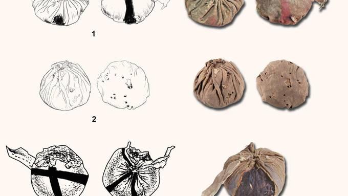 Aus Leder und zugenäht: Die Bälle aus den chinesischen Gräbern.