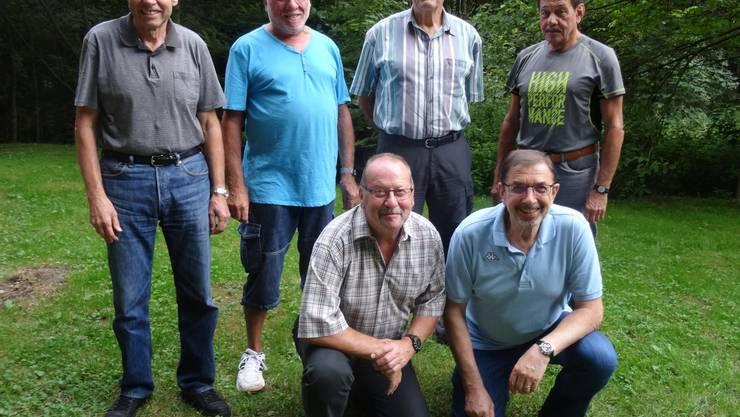 h.l) Albert Wullimann (Kassier),  Jürgen Reiff (Vizepräsident),  Emile Charrotton (Ehrenpräsident), Peter Wullimann (Aktuar) ( v.l.) Norbert Dornberger (Beisitzer), Hansjörg Staub (Präsident)