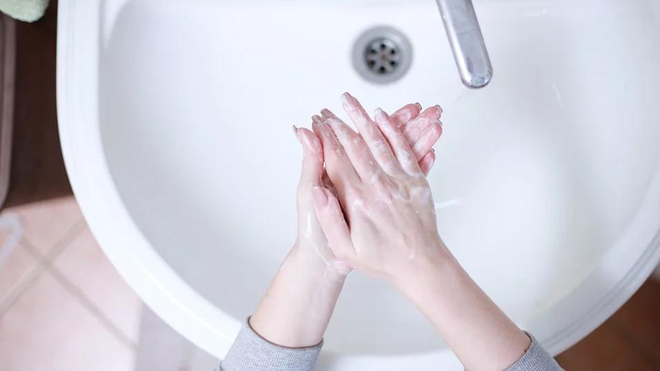 Diese Songs erleichtern dir das Händewaschen