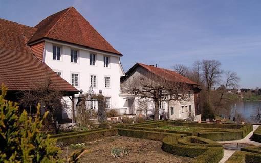 Ehemaliges Patrizer-Landhaus und Mühle in Wolfwil.