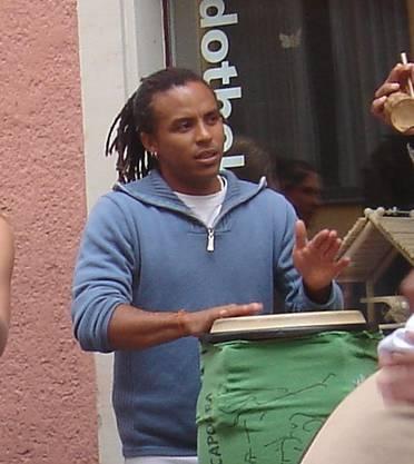 Cosme Das Neves Vieira führt in Schlieren eine Capoeira-Schule.