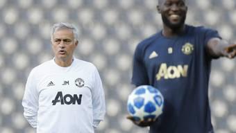 Nicht schlecht gelaunt vor dem Spiel in Bern: José Mourinho und Romelu Lukaku